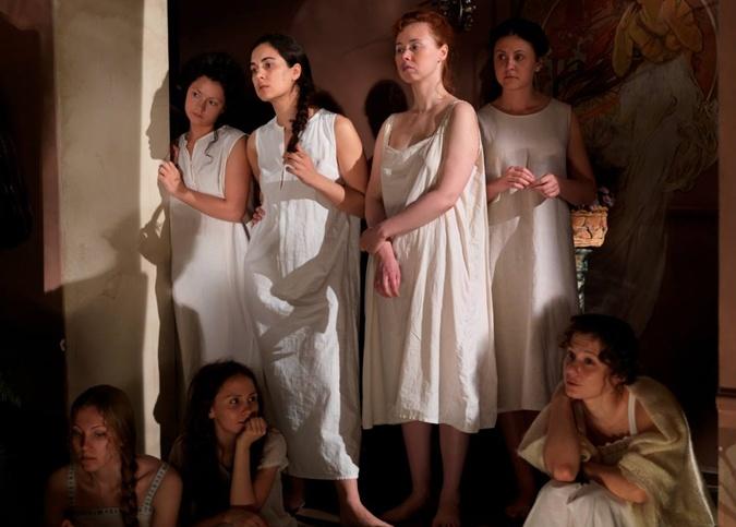 Проститутки старого Киева: элитные - в Яме и минеральщицы - палатках с водой