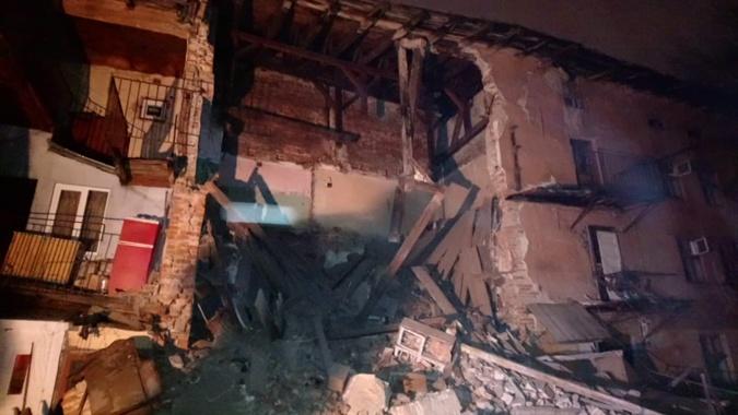 Во Львове обрушился трехэтажный дом [фото]