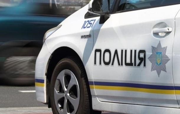 В Харькове авто полиции врезалось в дерево: трое пострадавших