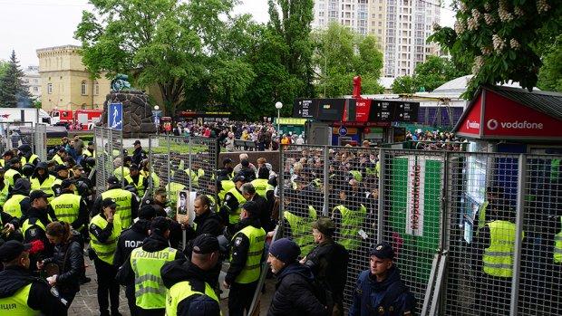 Бессмертный полк завершил пророссийский марш в Киеве: задержанные и словесные перепалки