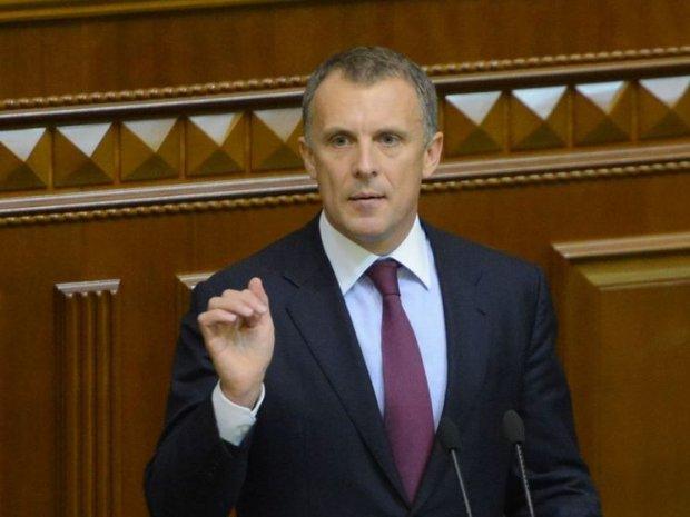 Бизнес-паутина и нужные связи: как зарабатывает губернатор Киевщины и скандальный депутат