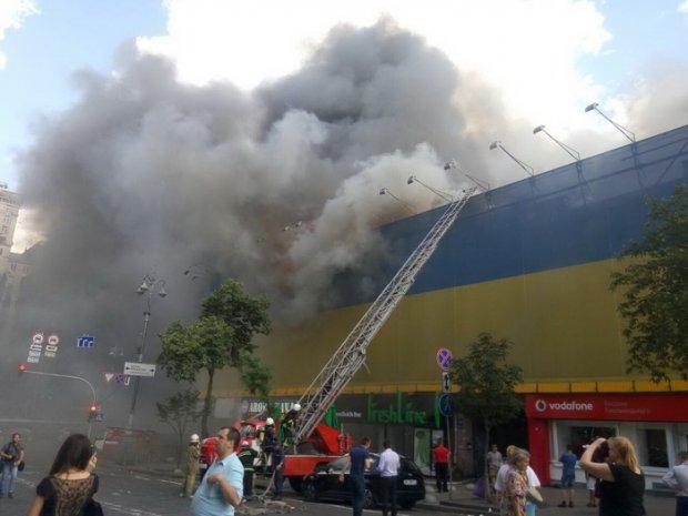 Нет дыма без огня: кому выгодны пожары в исторических зданиях Киева