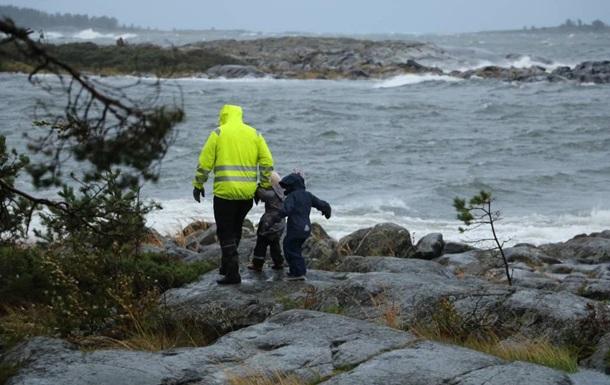 Шторм в Финляндии: без света остались более 60 тысяч домохозяйств
