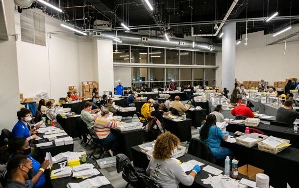 СМИ: В Джорджии при пересчете обнаружили 2,6 тысяч неучтенных голосов